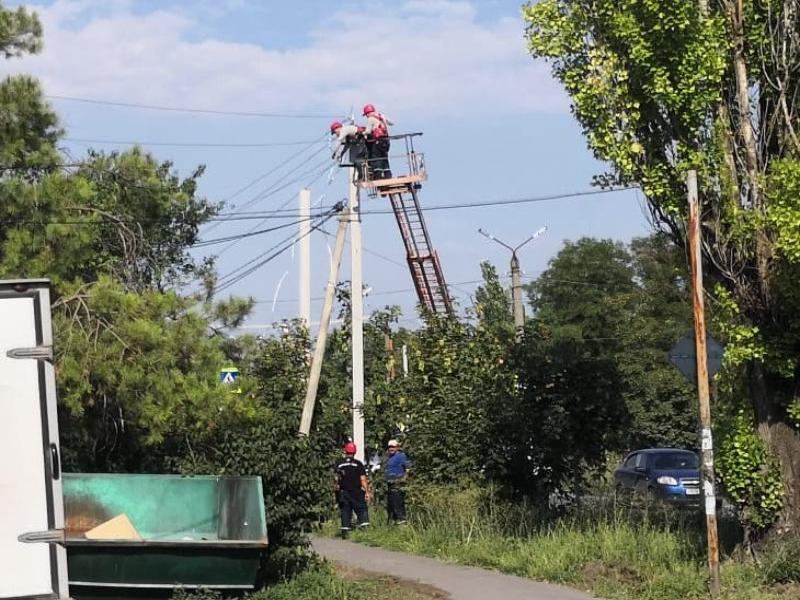 В Таганроге после обращения жителей в «Блокнот» заменили опасный столб ЛЭП