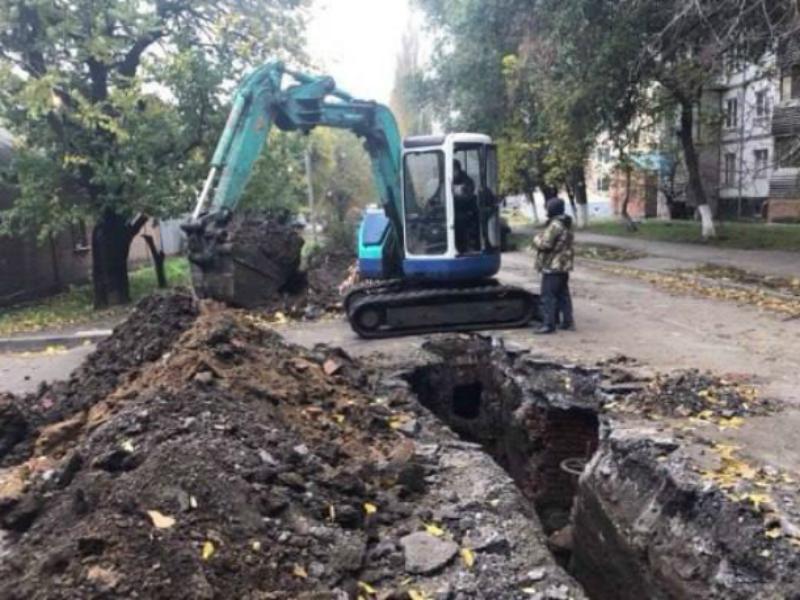 В Таганроге на улице Дзержинского опять отсутствует в кранах вода