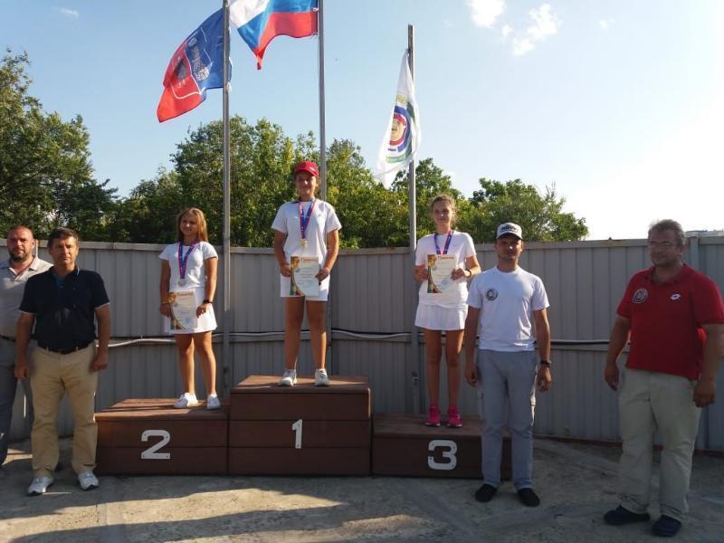 Два «золота» и два «серебра» привезли таганрожцы с Чемпионата по стрельбе из лука