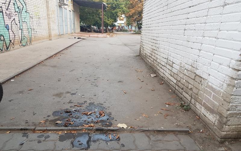 «Красота» от торговца сметаной и творожком вызывает негатив у местных жителей Таганрога