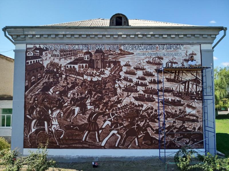 Ещё одна стена города стала картиной - на этот раз, на Северном
