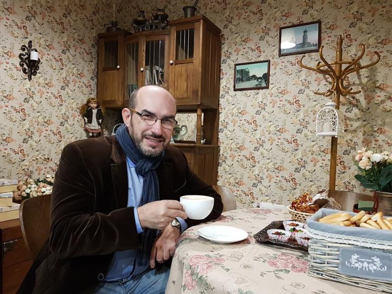 Сегодня отмечает День рождения блогер Александр Нанкин
