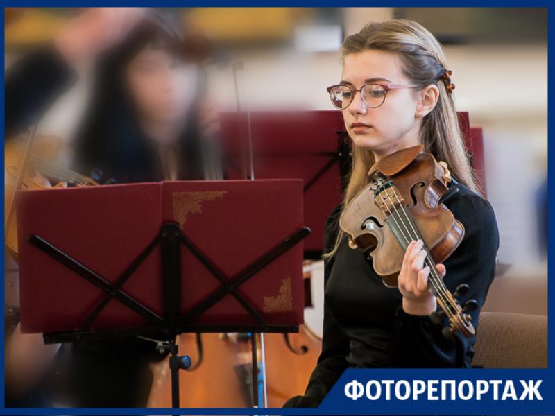 Музыка и живопись слились в Таганроге воедино