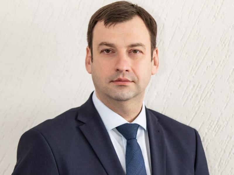 Сити-менеджер Таганрога Андрей Лисицкий поздравил выпускников, родителей и учителей с «Последним звонком»