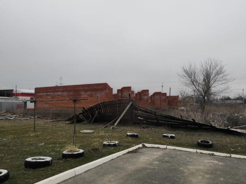 Заброшенная стройка в Таганроге интересует только бомжей и молодежь