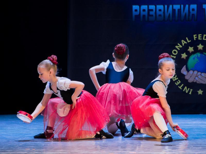 Ученицы школы балета «LIL BALLERINE» блистали на большой сцене