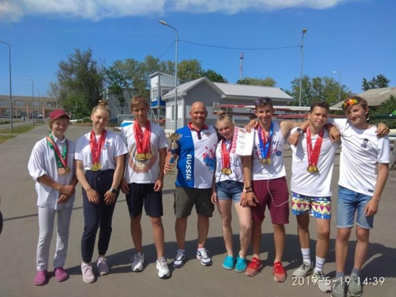 Таганрожцы завоевали первое место на играх Дона по гребле на байдарках и каноэ