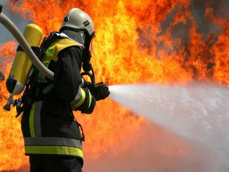 На улице Чехова в Таганроге вечером сгорел дом, а утром бесхозное здание