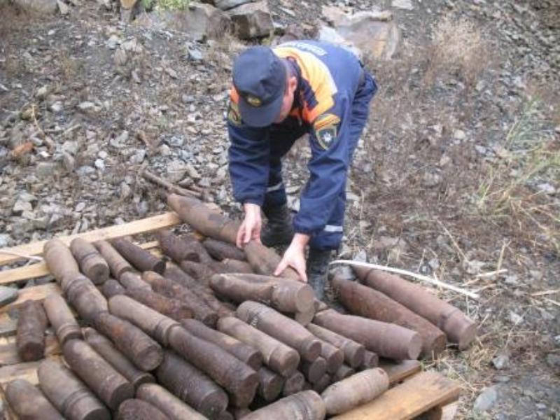 Под Таганрогом обнаружили целый склад боеприпасов времен ВОВ