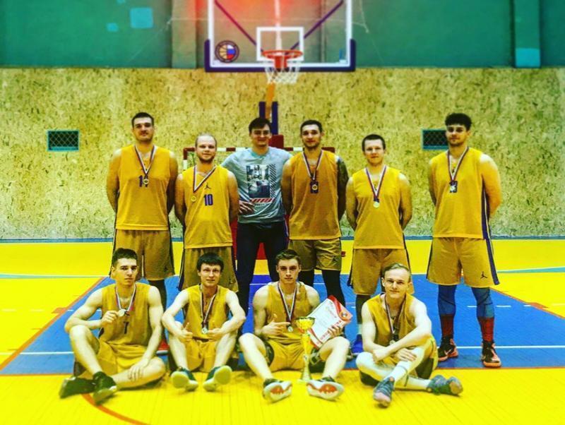 ЮФУ обошли Политехнический колледж Таганрога в баскетболе