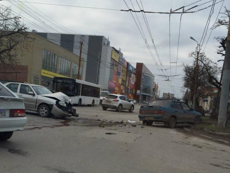Вечно актуальная тема в Таганроге - это  дороги