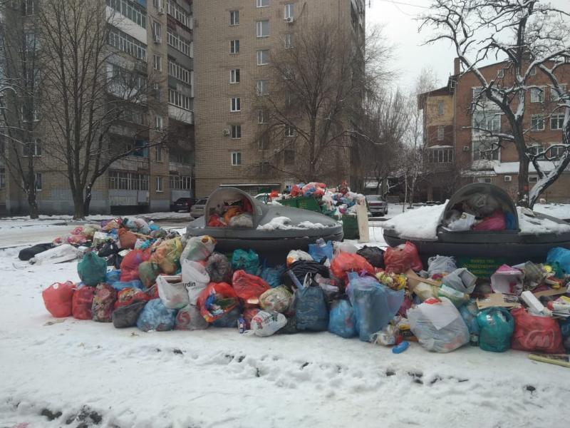 Вонь и нескончаемые свалки: мусорный коллапс поглотил Таганрог с наступлением Нового года