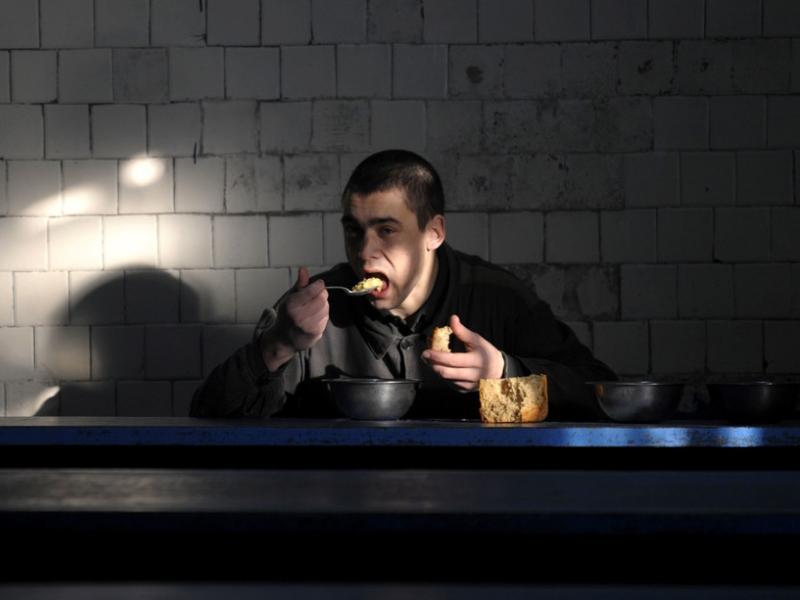 На 278 рублей кормят в местах временного заключения Таганрога