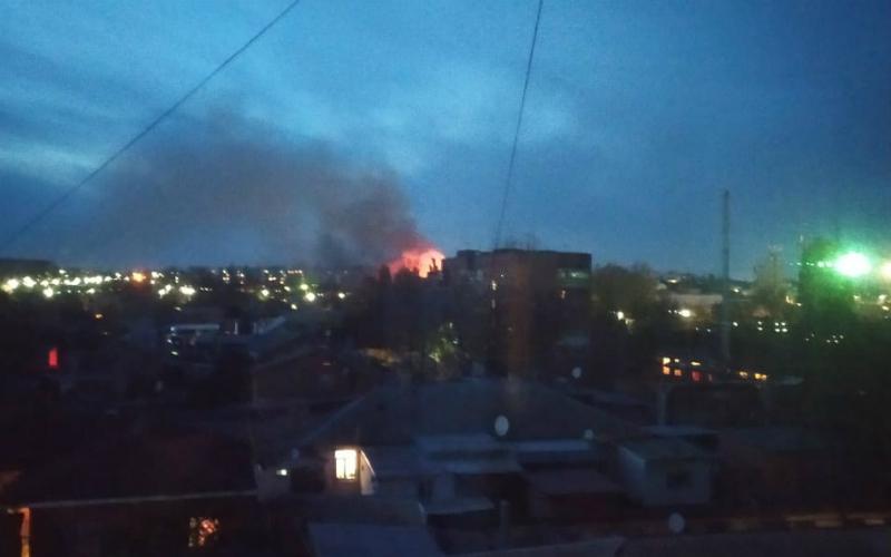 Пожар в Таганроге в районе Гидропресса
