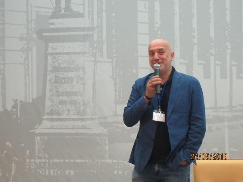 С аншлагом в Таганроге прошла встреча горожан с писателем Захаром Прилепиным