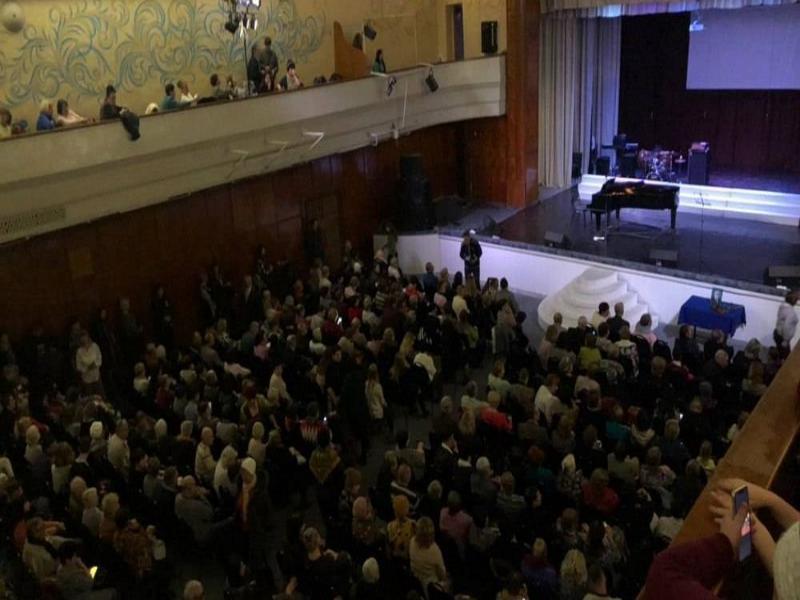 В Таганроге с  аншлагом прошел концерт памяти Валерия Полтавского