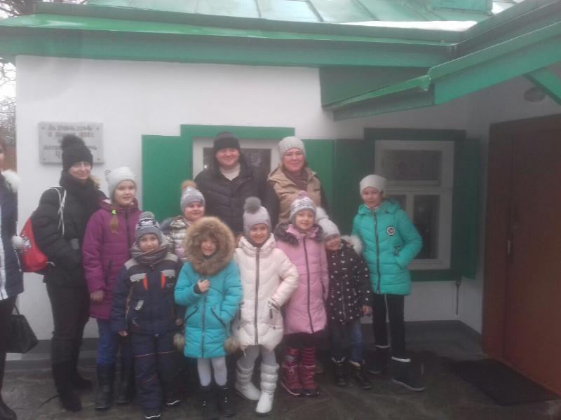 Таганрогские малыши вместе с родителями смогли погрузиться в эпоху Чехова