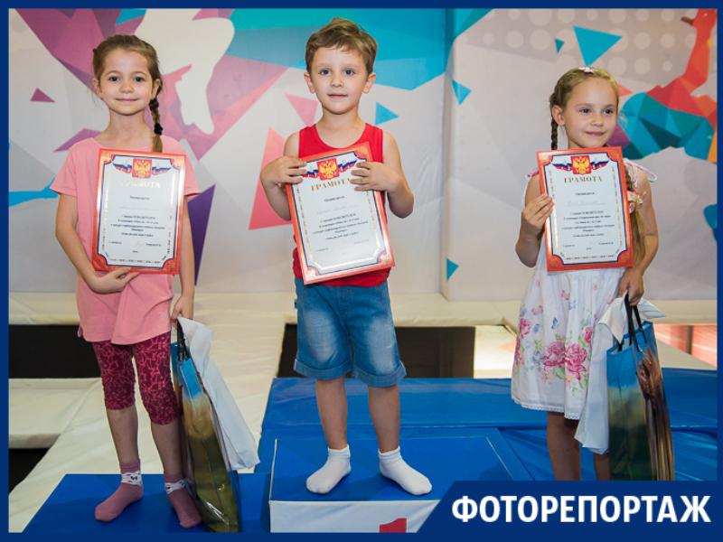 «Блокнот» наградил победителей и финалистов конкурса «Дети рисуют море и яхты»