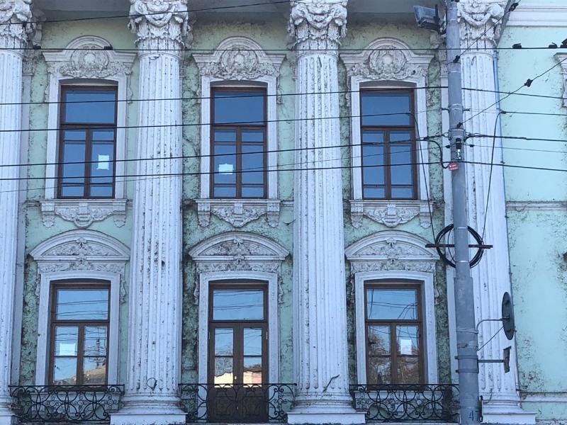 Забытым и заброшенным выглядит в Таганроге Дворец Алфераки, отреставрированный за 186 млн