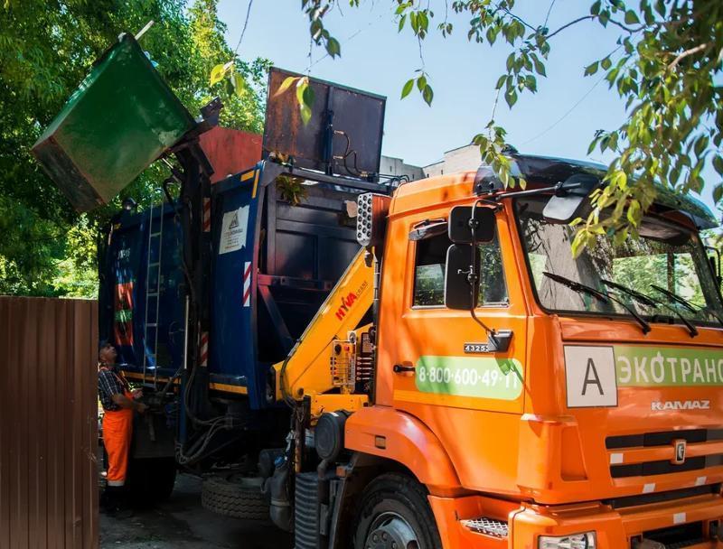 В Таганроге оштрафуют любителя выбрасывать  строительный мусор в контейнеры жителей