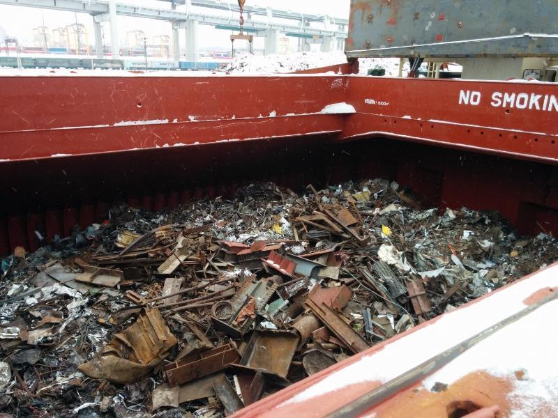 В Таганроге безработный украл лом из грузового поезда на 17 тысяч рублей