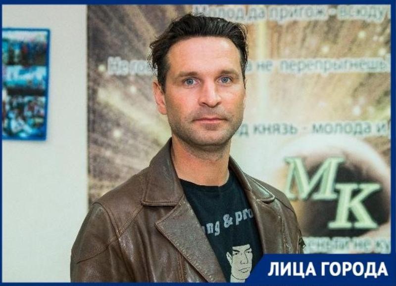 О съемках в «Т-34» и о семье «Блокнот Таганрог» узнал у актёра Виктора Добронравова