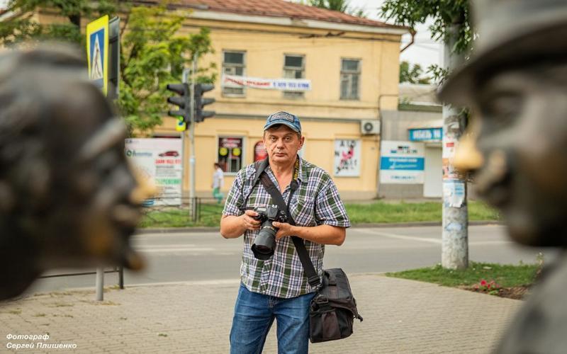 Субботним днем в Таганроге три мэтра фотографии прошлись по городу