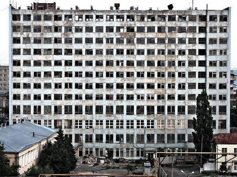 «Припятью в Таганроге» назвал фотограф здание Комбайнового завода