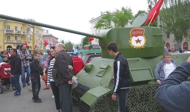 В Таганроге прошел смотр боевой техники, созданной руками умельцев