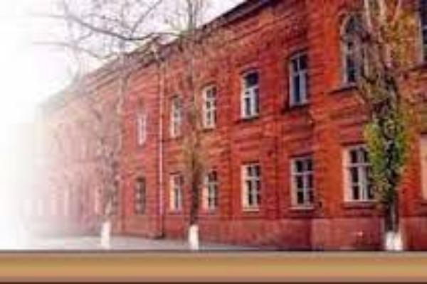 Сквер перед Мариинской гимназией в Таганроге хотят застроить ларьками