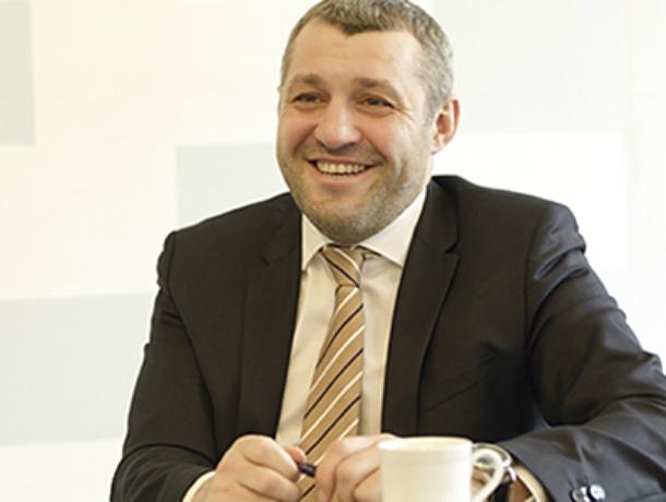 Кресло директора или мандат депутата предпочтет Гендиректор Александр Попов в Таганроге