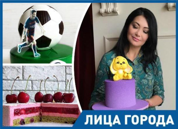 Об удивительной алхимии в кондитерском искусстве в День торта рассказала Валентина Савченко