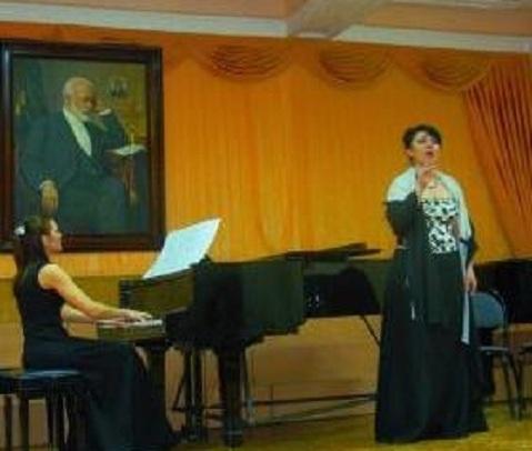 В Таганроге люди со слухом устроили вечер оперы