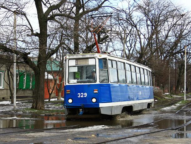 Преимущества трамвая в непогоду оценили  таганрожцы