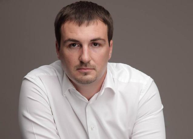 Депутат потребовал от сити-менеджера рассмотреть соответствие занимаемой должности его зама Ирины Голубевой