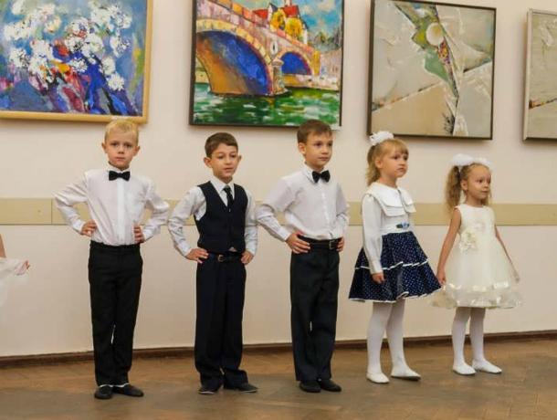 День воспитателя и всех дошкольных работников отметили вчера в Таганроге