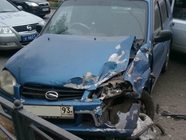 В  Таганроге  произошла авария с участием отечественного  авто и иномарки