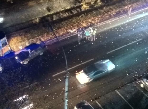 Перебегавшего дорогу мужчину насмерть сбила легковушка в Таганроге