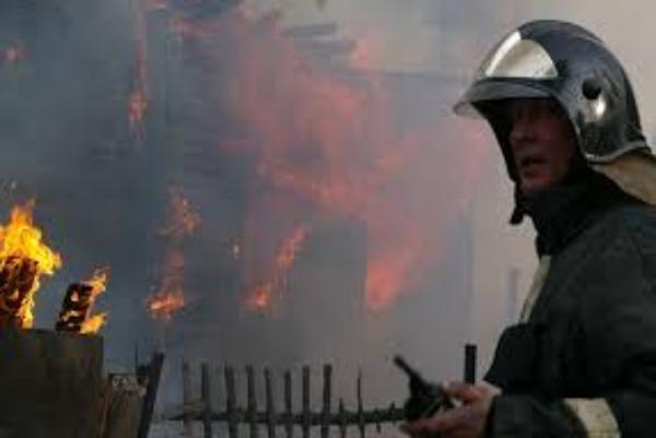 В Таганроге горела лодочная станция
