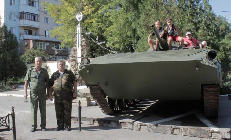БМП-1 стала завершающим элементом памятника «Черный тюльпан»