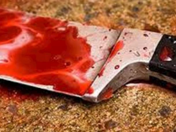 Обезумевший ревнивец  нанес своему соседу 20 ударов ножом в Таганроге