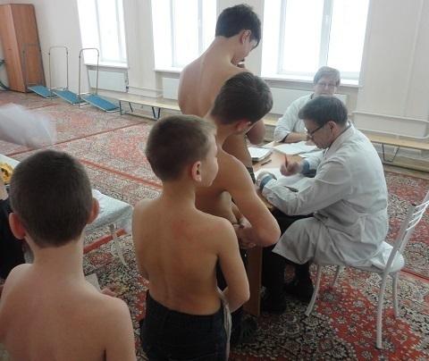 Врачи нашли кожные заболевания у троих детей в «Красном десанте»