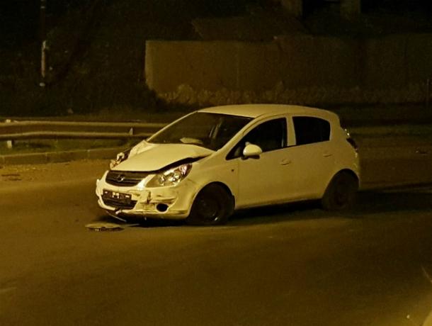 Устроивший ДТП на проклятом перекрестке Таганрога водитель «Опеля» бросил машину на месте аварии