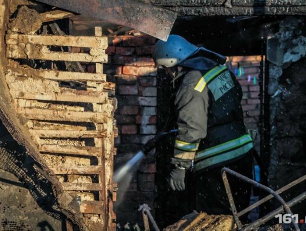 Под Таганрогом в Мелентьево  в пожаре  сгорел человек