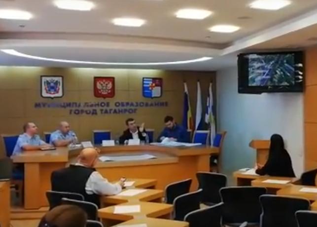 У новой «Ленты» в Таганроге может появиться переход со светофором